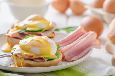 benedict: Egg Benedict with ham, spinach and hollandaise sauce