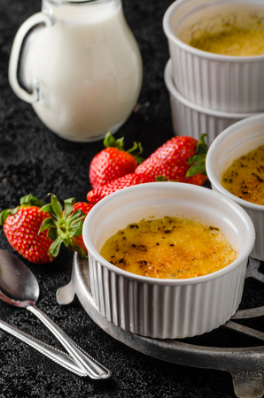 crust: Creme brulee with caramel crust Stock Photo