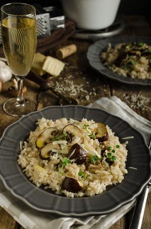 parmesan cheese: Original italian risotto with mushrooms and parmesan cheese