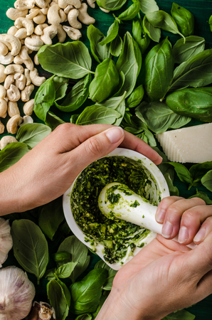 Basil pesto make, how to, simple and delicious with nuts, parmesan cheese and garlic