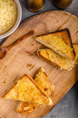 Sandwich au fromage grillé, simple repas rapide delish Banque d'images - 81242884