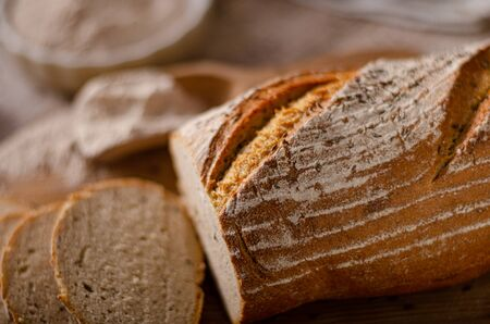 Pyszny domowy chleb kminkowy, domowy chleb na zakwasie