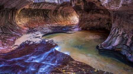 slot canyon: Subway slot Canyon in Zion National Park, Utah