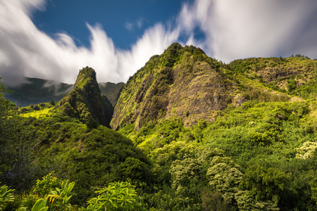 Iao Valley on the tropical Island of Maui, Hawaii. 版權商用圖片 - 106364451