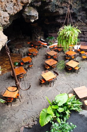 Restaurant in vulkaan grot Stockfoto