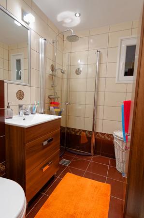 Modern small bathroom photo
