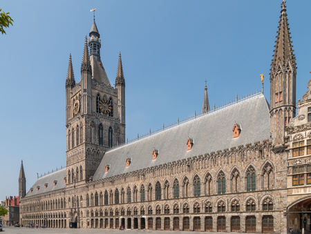 cloth hall with the belfry in the middle at Ypres Belgium 스톡 콘텐츠