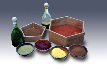 brilliancy: Natural colorants bowls and flasks for textiles