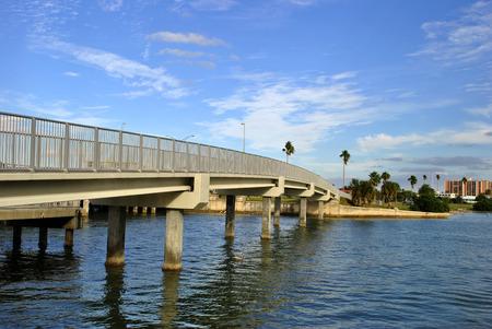 pinellas: Bridge crossing to the Beach