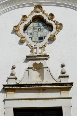 barlavento: A detail view of the ornate stonework on St Anthony