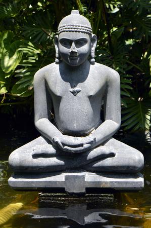 gautama: Statue of Buddha