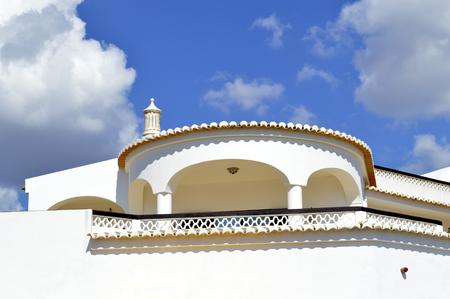 barlavento: Architectural detail of a Portuguese villa