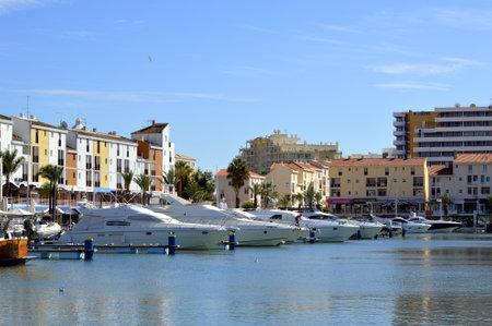 vilamoura: Luxury yachts in Vilamoura Marina