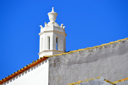 barlavento: A typical Portuguese chimney pot