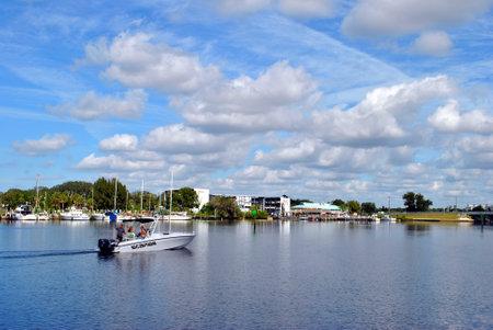 pinellas: Tarpon Springs, Florida, USA - November 11, 2013: Tourists fishing from a boat in Tarpon Springs Florida