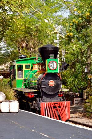 treno espresso: Busch Gardens, Tampa, Florida, USA - October 27, 2016 : Serengeti Express train in Busch Gardens Tampa