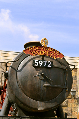 The Wizarding World of Harry Potter Hogwarts Express Editöryel
