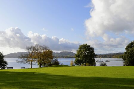 Waterhead yachts at the north of Lake Windermere in Cumbria Foto de archivo