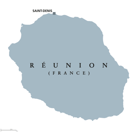 Réunion politische Karte mit Hauptstadt Saint-Denis. Insel. Übersee-Departement von Frankreich im Indischen Ozean, östlich von Madagaskar. Graue Abbildung getrennt auf weißem Hintergrund. Englische Beschriftung. Vektor. Standard-Bild - 82513641