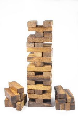 Holzblöcke, JENGA Spiel Auf weißem Hintergrund Standard-Bild - 26791315