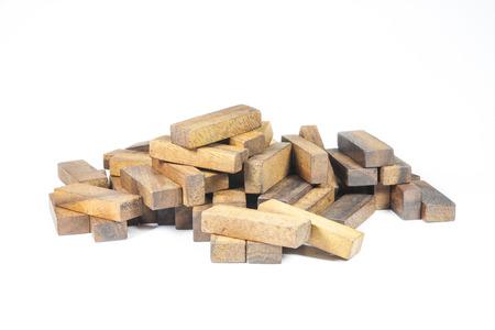 Holzblöcke, JENGA Spiel auf weißem Hintergrund Standard-Bild - 26791317