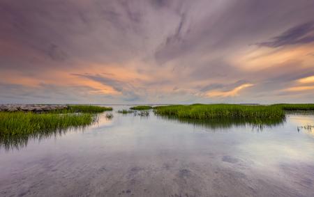 Seascape, sunrise, sunset in Mitchellville Park Beach in Hilton Head Island, South Carolina Imagens - 69502758