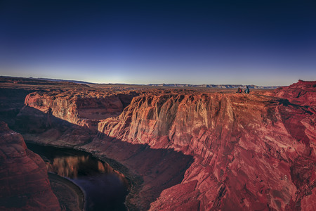 One of the most known and beautiful curves of Colorado River known as Horseshoe Band. Imagens