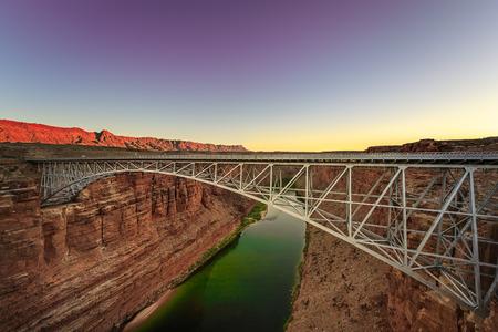 Sunset at Navajo Bridge in Grand Canyon, Arizona. Imagens - 92853306