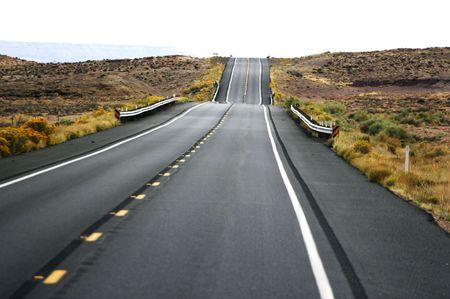 turnpike: solitario carretera - formato apaisado