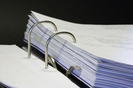 articulos oficina: abrir carpeta con las facturas y art�culos de oficina