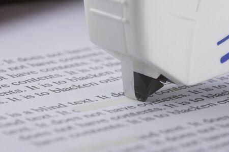 rectify: correggere un testo con la Tipp-Ex rullo