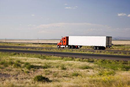 motor de carro: Cami�n Interestatal 10 Arizona EE.UU. Foto de archivo