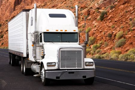 forwarding agency: Truck on the road, USA, United States of America