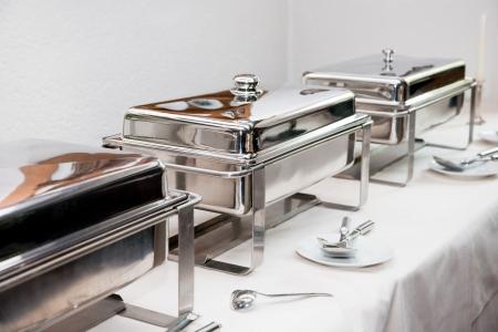 buffet: Chafing Dish gemaakt van roestvrij staal in het buffetrestaurant