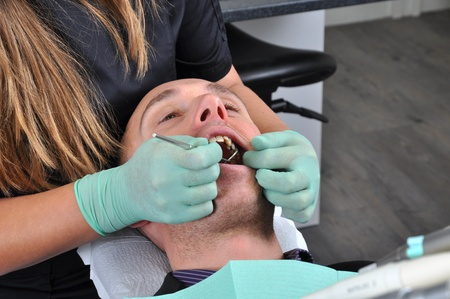 Yearly examination of teeth at the dentist