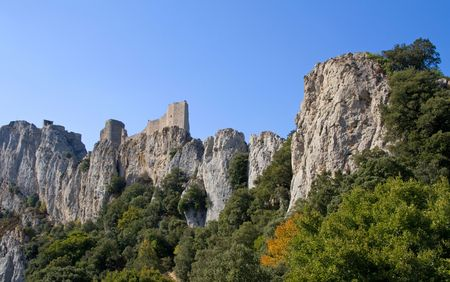 impregnable: general view of Chateau Peyrepertuse - Cathar Castle in the Languedoc, built on a limestone hilltop