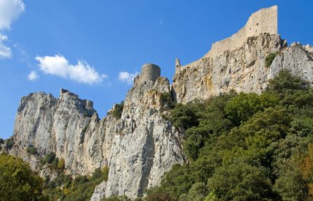 General View of Chateau Peyrepertuse, Languedoc, the biggest of the Chatar Castles in the Languedoc, built on a hilltop Stock Photo