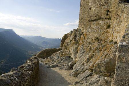 Chateau Queribus, jeden z zamki katarów w Langwedocji, zbudowany na wzgórzu Zdjęcie Seryjne - 4435337