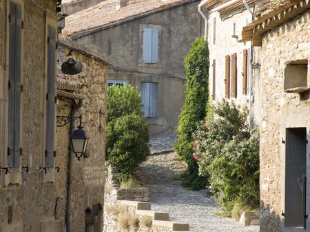 french cuisine: little alley in a small village in the provence Stock Photo