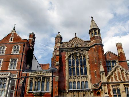redbrick:  A typical London red-brick building (old cathedral).