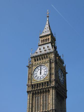 o�??clock: las 12 de la ma�ana en el Big Ben, Londres  Foto de archivo