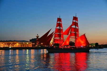 白い夜のサンクトペテルブルク