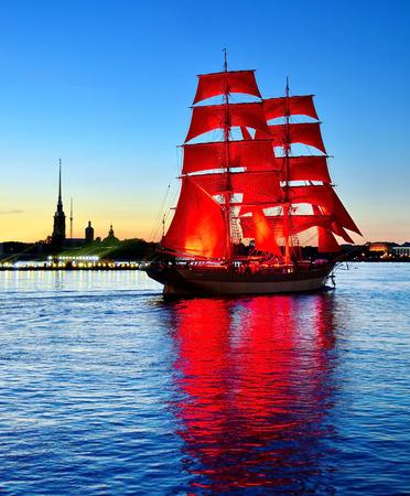 「緋色の帆」ロシアのサンクトペテルブルクでの休日 写真素材