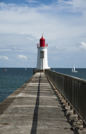 navigational light: Lighthouse at the end of the harbour wall
