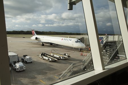 md: A Delta MD 88 passenger jet N 916DE at Tampa International Airport  Seen from Departures area Editorial