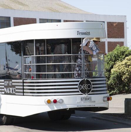 descubridor: Ciudad Descubridor hop on hop off bus en la región de Napier Hawkes Bay Nueva Zelanda Editorial