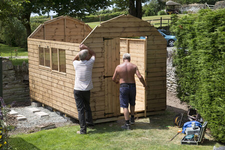 roofing felt: Erecting a new garden shed