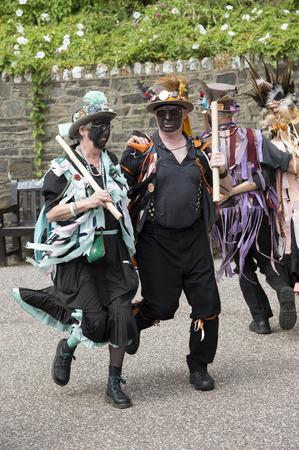 morris: Morris ballerini sul molo di Ilfacombe nord Devon Inghilterra Regno Unito Editoriali