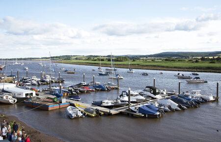 kojen: Liegepl�tze auf dem Fluss Exe in Topsham S�den Devon England Vereinigtes K�nigreich Editorial