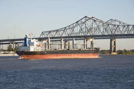 Coreship OL a bulk carrier ship underway on The Mississippi River New Orleans USA 新闻类图片